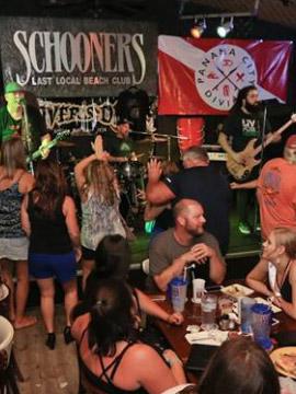 Schooners Live Bar Webcam Panama City Beach, Florida
